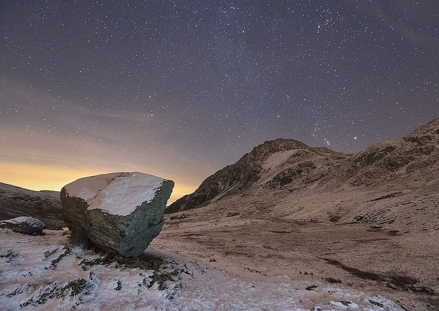 kris-williamsi-used-to-be-a-rolling-stone-snowdoniasky-mountains-rock-wales-night-stars-landscape-nightscape